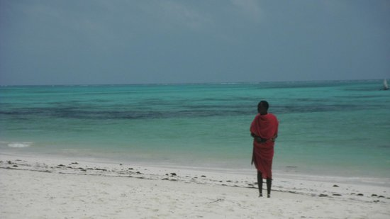 Pongwe Beach Hotel: Masai guarding the beach