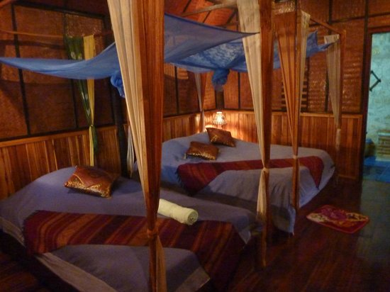 Thongbay Guesthouse: lovely romantic room