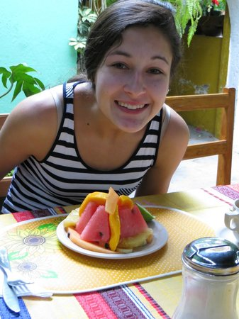 Las Golondrinas: yummy fruit at breakfast