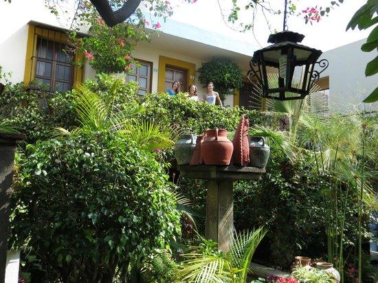 Las Golondrinas: courtyard gardens3