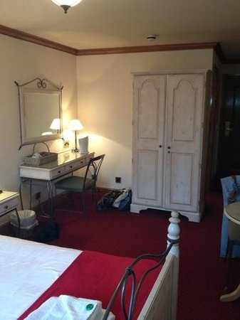 The Vestry: good size rooms