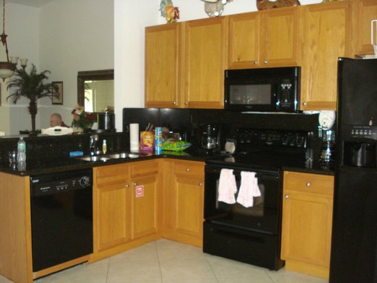 Mariner's Resort Villas & Marina: the kitchen