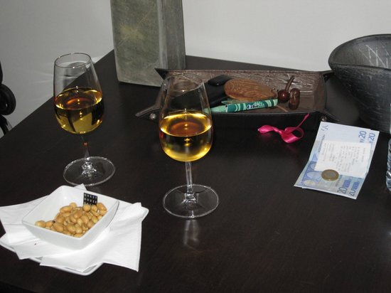 Guest House Douro: port and peanuts on our first day- just what the doctor ordered.
