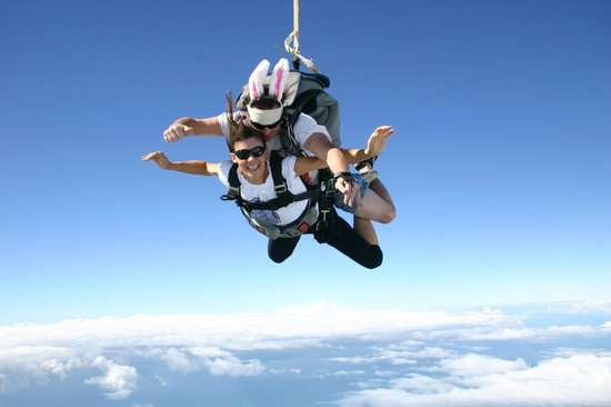 Sunshine Coast Skydivers: Easter Skydive from 15,000ft