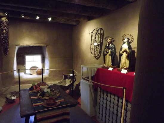 The Oldest House: Artifacts in the interior