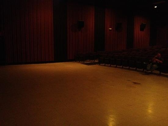 Jackson 10 Cinema: gigantic space in front of screen, note the random black spots on the floor.