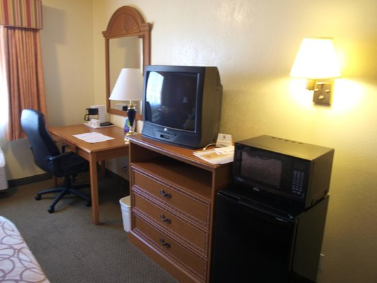 Super 8 Marty's Valley Oceanside: Chambre