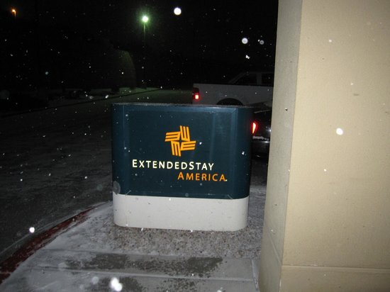Extended Stay America - Albuquerque - Rio Rancho : It was so cool when it snowed!