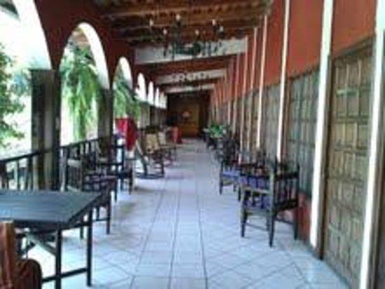 Hotel Santa Ana : Corredor