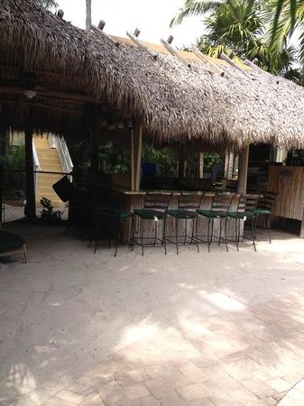 Crane's BeachHouse: tiki bar