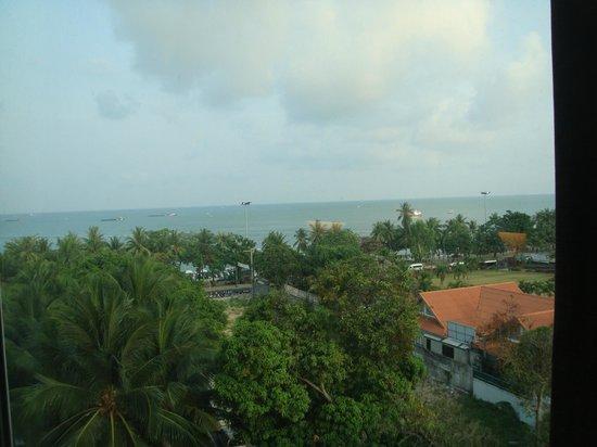 โรงแรมฮาร์ดร็อค: Beach view.