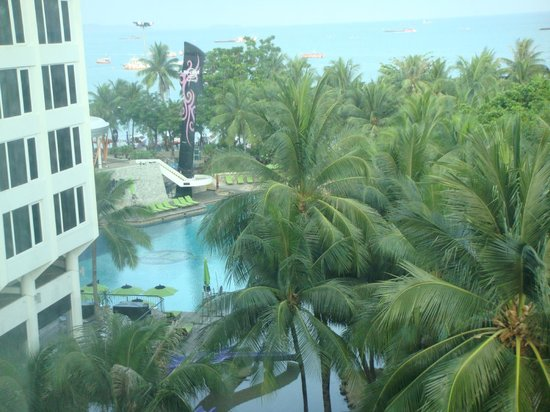 Hard Rock Hotel Pattaya: View of pool from room