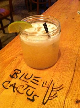 Blue Cactus Mexican Grille : traditional margarita