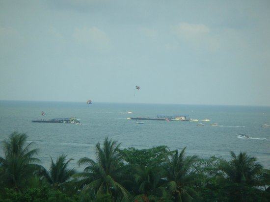 Hard Rock Hotel Pattaya: Water sports seen from room