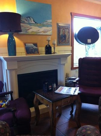 Cafe Vincente: a cozy area to sit.