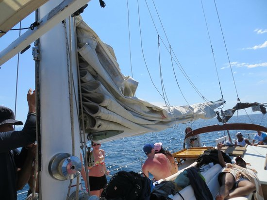 Pegaso Chartering: relaxing on sail boat
