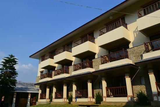 Atithi Resort & Spa: View From Garden
