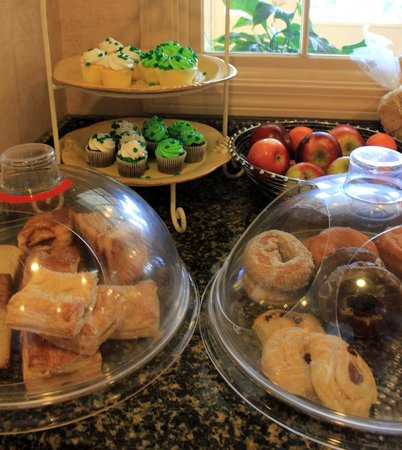 Port Inn Portsmouth: Buffet du matin