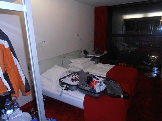 Design Metropol Hotel Prague: Functional guestroom
