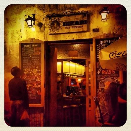Inkari Pub Pizzeria : Pizza deliciooosa!