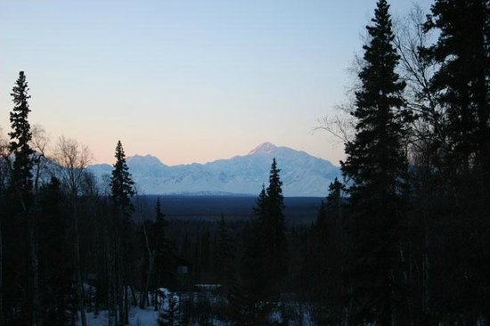 Talkeetna Treetop Chalet: Sunset over Denali