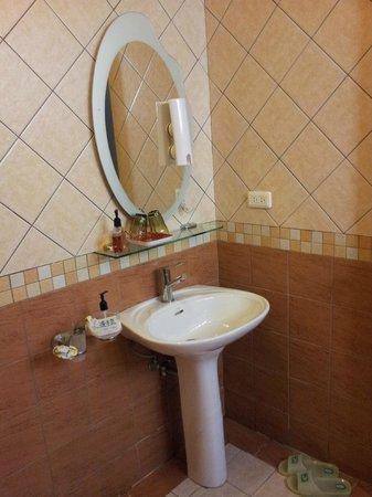 At-Home B&B: Wash basin