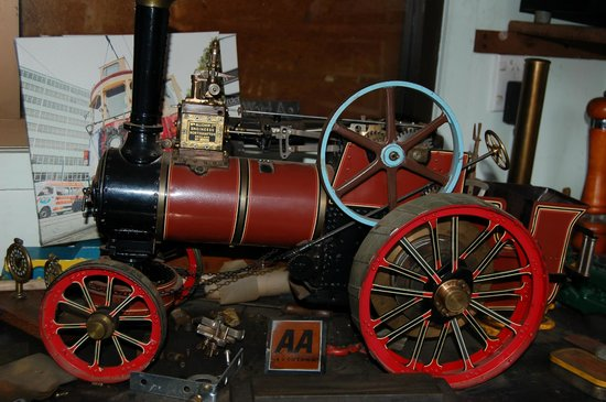 Blairgowrie House: Traction  engine hand made by Kelvin