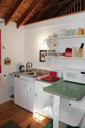 White Lamb Cottages: 2 Bed - Kitchen