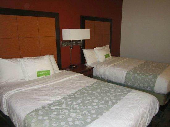 美國那不勒斯東 I-75 拉昆塔套房飯店張圖片