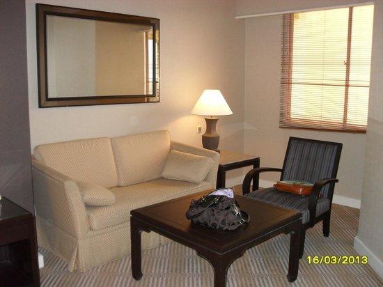 Hotel Equatorial Melaka: Sofa area