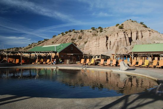 Ojo Caliente Mineral Springs Resort and Spa: The biggest pool