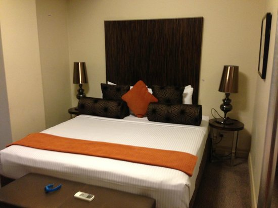 The Bayswater Sydney: King size bed