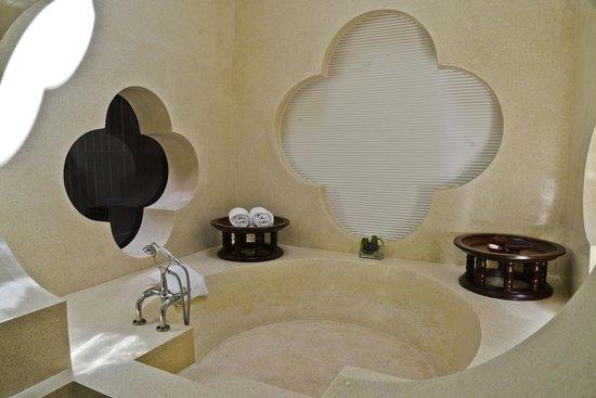 Phulay Bay, A Ritz-Carlton Reserve: Bathtub