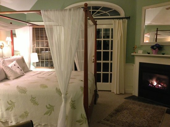 Carriage House Inn: Middle room in the Carriage House