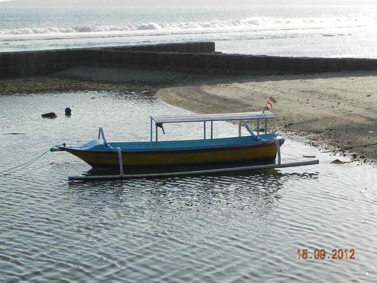 Pondok Bambu: Dive Boat