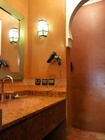 Riad el Noujoum: Salle d'eau