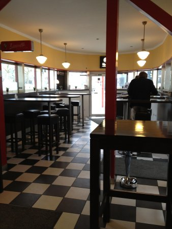berliner imbiss d sseldorf graf adolf platz restaurant bewertungen fotos tripadvisor. Black Bedroom Furniture Sets. Home Design Ideas