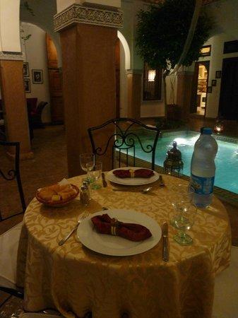 Riad el Noujoum: Riad le soir