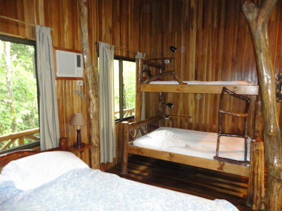 Tree Houses Hotel Costa Rica: Super comfortable rooms!