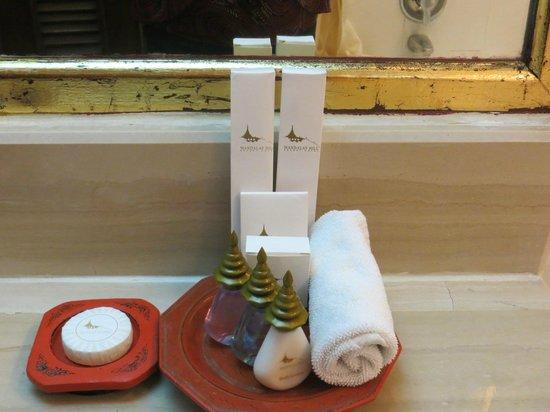 Mandalay Hill Resort: cute temple tops on bathroom accessories