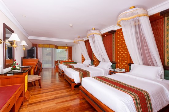 Diamond Cliff Resort and Spa: Super Deluxe Triple Bed