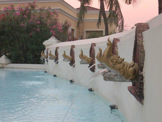 Mandalay Hill Resort: water feature near swimming pool