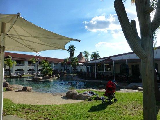 Quality Resort Siesta: Outdoor pool