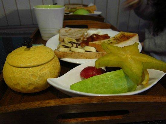 Hejia B&B: 豐盛一人份早餐