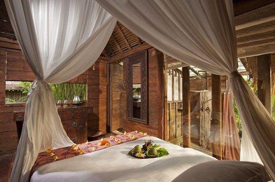 Bambu indah manis house interior