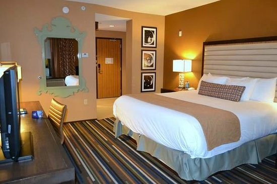 Inside Room Picture Of Moonrise Hotel Saint Louis Tripadvisor