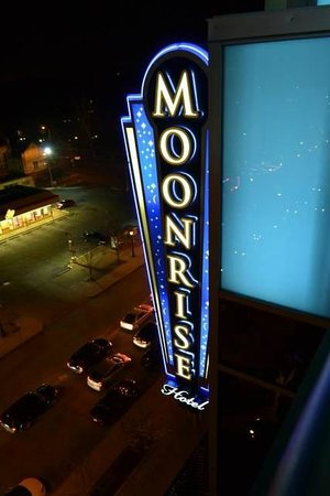 Moonrise Hotel: View from roof top bar