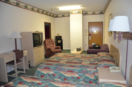 Travelodge Cookeville: Spacious room.