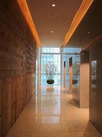 Park Hyatt Busan : 30F Gest Elevator hall