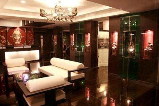 Mirth Sathorn Hotel: Lobby